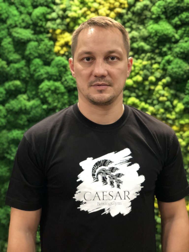 антон кадушин тренер по боксу