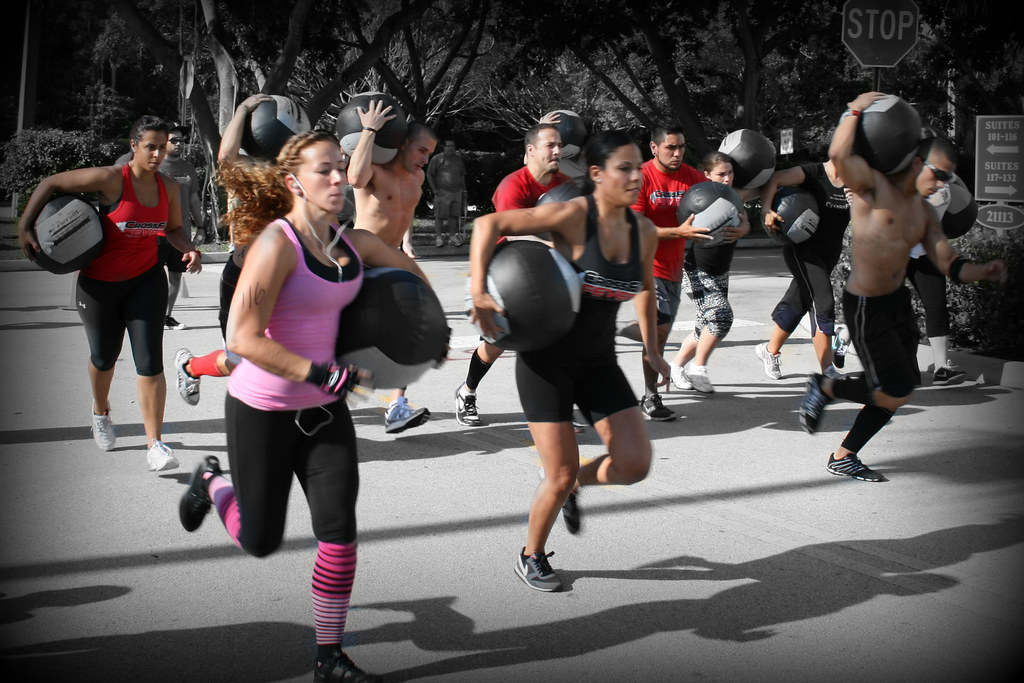 Клуб кроссфита в Москве обучение для детей, женщин, мужчин всех возрастов