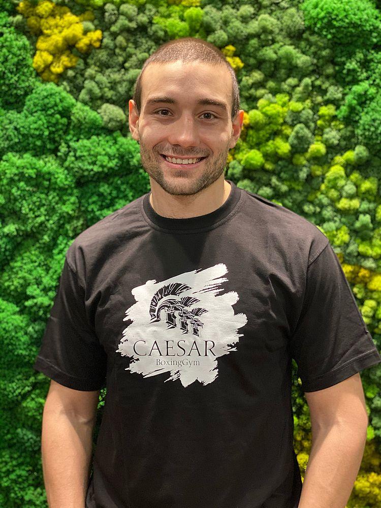 Давид Николаев тренер по боксу, уиубоксингу, тайскому